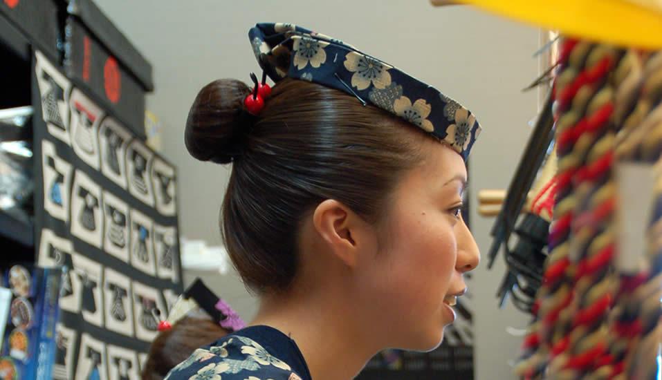 祭りの伝統的な髪型【お団子ヘア】のやり方