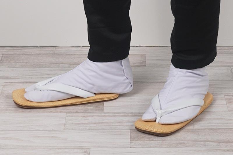 雪駄を履く時は岡足袋を履く