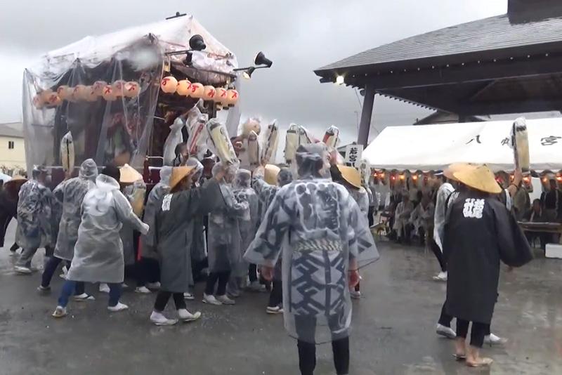 お祭り当日が雨だった時の足元対策