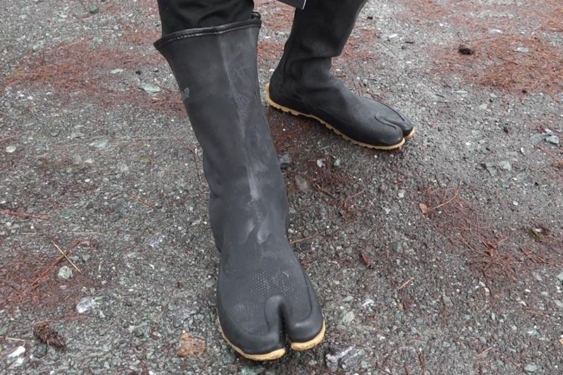 トラクターシューズは完全防水の地下足袋